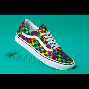 Vans tie dye comfycush new with box